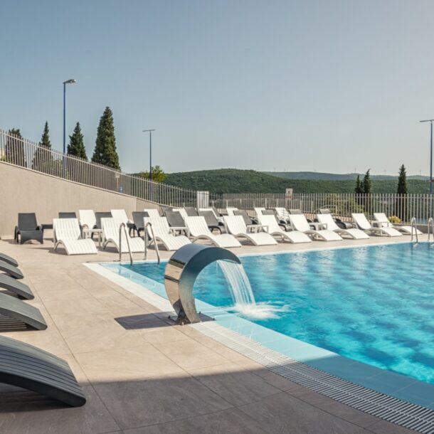 Marea hotel Vanjski bazen fav (2)
